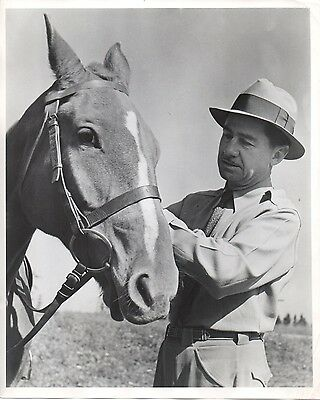 46553. Original ca 1945 CBS Radio Photo Journalist Lowell Thomas with his Horse