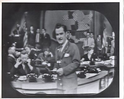 46555. Original ca 1945 CBS TV Photo Newscaster Lowell Thomas on Election Night