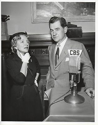 46559. Original 1949 CBS TV Photo Newscaster Lowell Thomas & Actress Helen Hayes