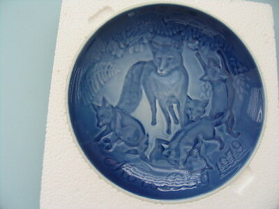 Bing & Grondahl Blue & White Mother's Day Plate 1979 Fox & Cubs