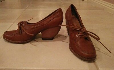 Vintage brown tan leather lace up brogues with cuban heel size 7
