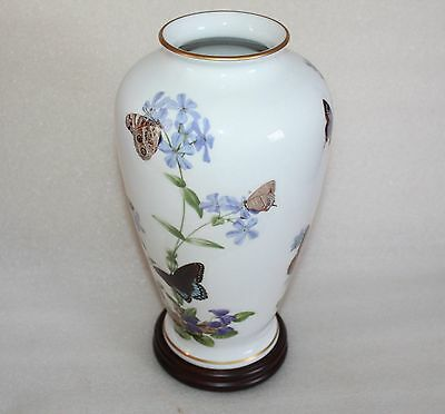 FRANKLIN MINT PORCELAIN MEADOWLAND BUTTERFLY VASE by JOHN WILKINSON & STAND