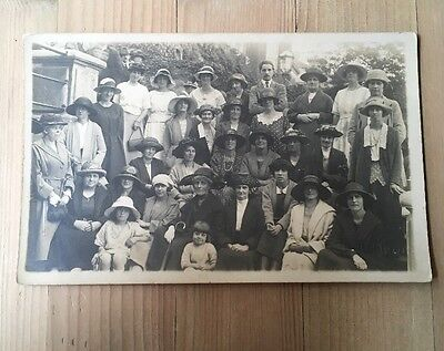 Vintage Photographic Postcard *GROUP* *DAY OUT* *PEOPLE* *SOCIAL HISTORY*