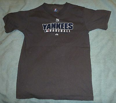Yankees youth szM (approx 12-14) t-shirt