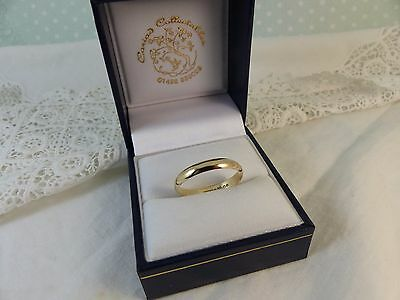 9ct 9carat Yellow Gold Plain Wedding Band Ring. 3mm size 'R'