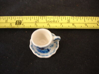 Miniature Cup And Saucer Delft Style 1.5Cm Tall (Ha)