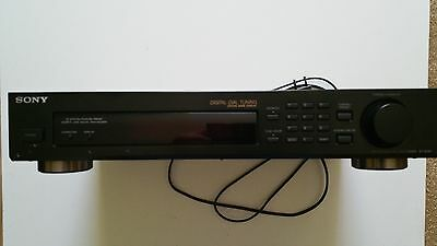 Sony ST-S190 Stereo FM-AM HiFi Tuner, Digital Dial and Station Names.