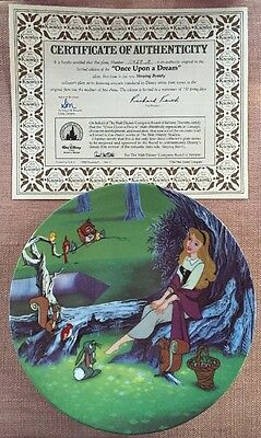 Disney Knowles ONCE UPON A DREAM Sleeping Beauty Aurora plate COA + free hanger