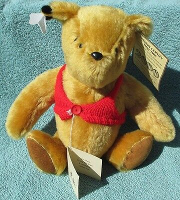 Limited Edition Gabrielle Designs England mohair Pooh bear #256 of 2000 in box