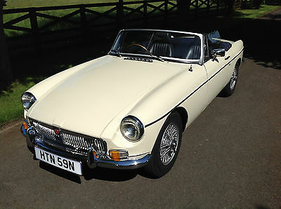 MGB Roadster,chrome bumper,Heritage bodyshell,overdrive old english white