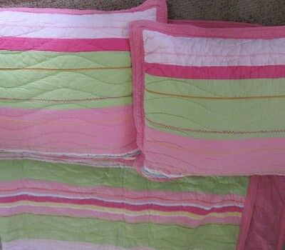 POTTERY BARN KIDS Multi Color Full Quilt with 2 Matching shams EUC
