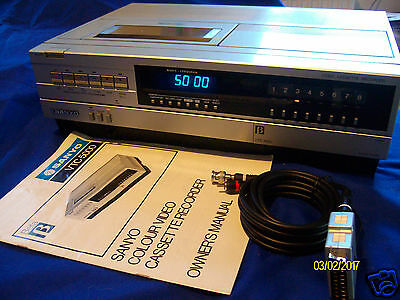 Near MINT Sanyo VTC 5000 Betamax vcr  refurbished with manual and leads