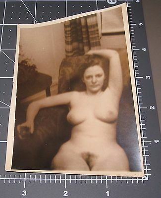 Nude Woman 1930's Homemade Porn Housewife Naked Lady Vintage Snapshot PHOTO 1