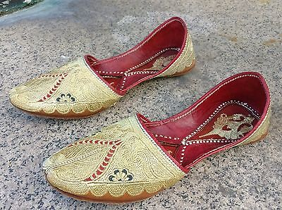 Vintage Turkish Ottoman Embroidered Leather Slippers Nalin Shoes