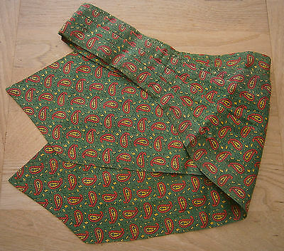 VINTAGE 1950s SAMMY CRAVAT GREEN RED & YELLOW PAISLEY CLASSIC PRINT GOODWOOD
