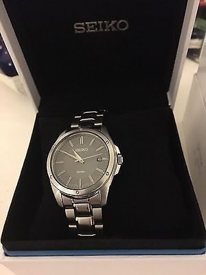 Seiko mens chronograph stainless steel watch original and complete with box