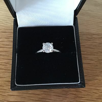 Beautiful 1 carat certified diamond solitaire ring in 14ct white gold.