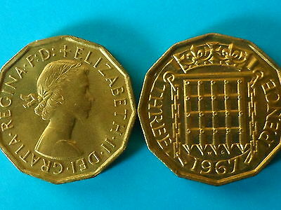 1X 1967 QUEEN ELIZABETH II UNCIRCULATED BRASS THREE PENNY COIN 3d