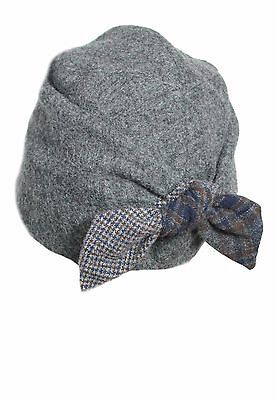 GI'N'Gi women's hat grey with bow patchwork e elastic lined in angora