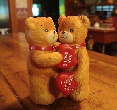 Lucy & Me Boy & Girl Bear Valentines Day I Love You Heart Red 1980 Rigg Enesco