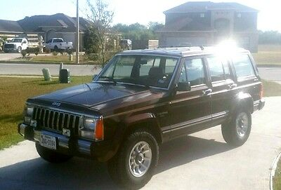 1986 Jeep Cherokee  Classic Original 67,000 miles, Very Clean, 4x4, Cold AC!