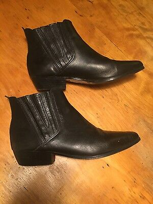 Vintage black leather chelsea boots! Barely worn, EXCELLENT CONDITION