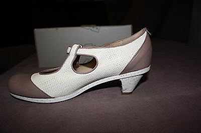 Tracey Neuls Shoes Size 39/8.5