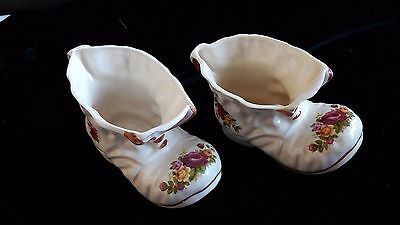 2 Vintage ceramic boots, both right feet Cream with floral decor