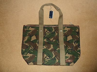 New Fred Perry Classic Full Zip Canvas Tote Bag In Hunter Green Camouflage £55