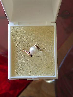 Beautiful Quality 9ct Gold & Pearl Ring - Size N (EU54)