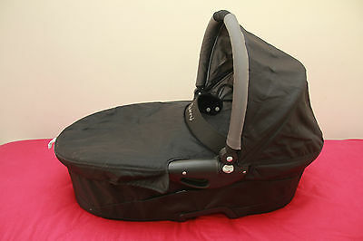 Quinny Buzz Dreami Carrycot black with grey padding