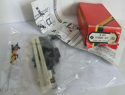 HORNBY RAILWAYS R201 Signal Kit Home and Distant (Boxed)