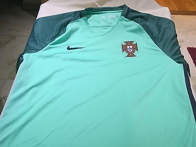 Nike Portuguese 2016 Football strip XL size