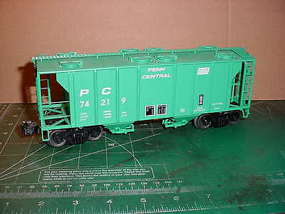 """Lionel Scale #6-27024 Penn Central """"pc"""" Ps-2 Covered Hopper Car"""