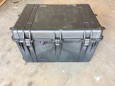Pelican Case 1660 with Foam (Camera,Gun,Equipment,Multi-Purpose) Black w/Wheels