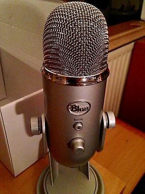 Blue Microphones Yeti PRO USB Mic Stereo Mic with Desktop Stand Silver