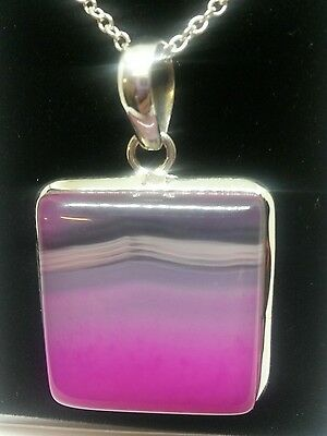 New sterling silver stone set agate large pendant and chain.