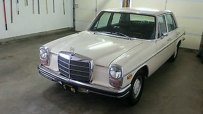 1971 Mercedes-Benz 200-Series sedan 1971 Mercedes Benz 250 rare floor shifter
