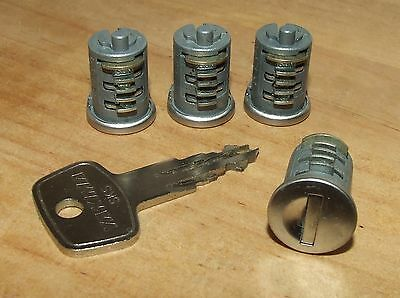 YAKIMA SKS - Set of 4 Lock Cores (Barrels) and 2 Keys (A138) - All Very Good