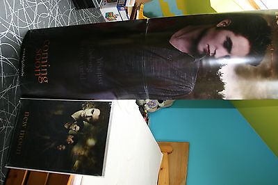 Totem et affiche 3 D Twilight New Moon Edward et Bella