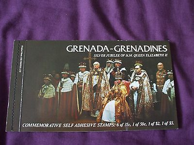 "GRENADA-GRENADINES - 1977 "" QUEEN'S SILVER JUBILEE Stamp Booklet.""  U/Mint."