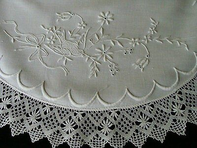"""WOW Antique Victorian Linen Round Tablecloth 25"""" Centerpiece Topper Hand Embroid"""