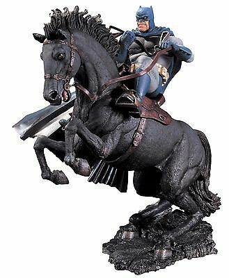 DC Comics Batman Dark Knight Returns Call To Arms Statue figure