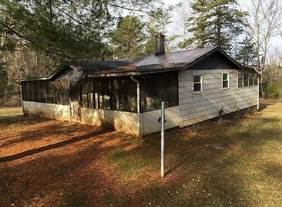 Great investment home in Virginia near Lees Lake and Smith Lake!!!!