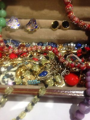 Huge Job Lot Of Vintage Costume Jewellery,brooches Chains Necklaces