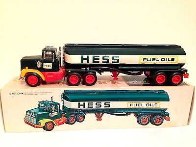 Vintage 1977-1978 Hess Toy Truck in Box - PLEASE READ