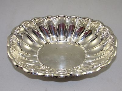 """REED & BARTON Silver Plate Scalloped Serving Bowl 8.5""""Oval Shell Dish,Holiday"""