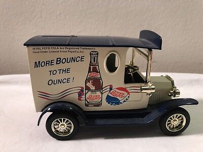 """Pepsi Cola Golden Wheel """"more Bounce To The Ounce"""" Diecast Truck Coin Bank"""