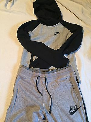 Woman's Size Small Nike Outfit Track Suit Running Athletic