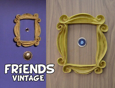 marco Friends tv serie - VINTAGE STYLE yellow frame peephole monica's door